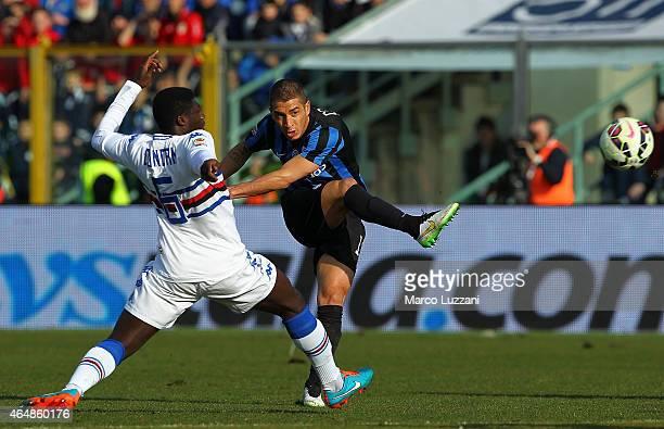 Carlos Carmona of Atalanta BC is challenged by Joseph Alfred Duncan of UC Sampdoria during the Serie A match between Atalanta BC and UC Sampdoria at...