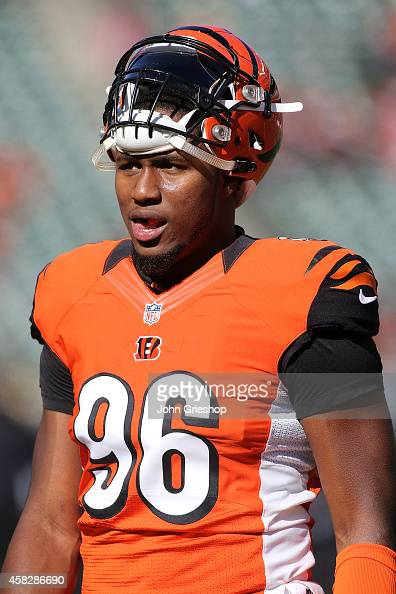 Carlos Dunlap of the Cincinnati Bengals warms up prior to the start of the game against the Jacksonville Jaguars at Paul Brown Stadium on November 2...