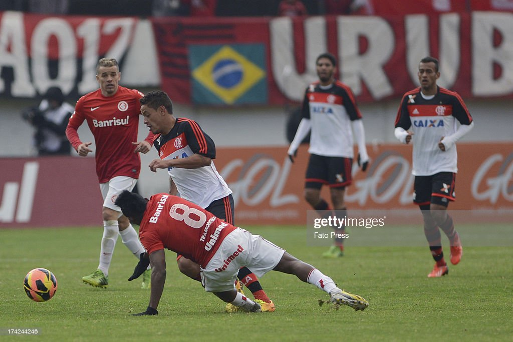 Carlos Eduardo of Flamengo runs for the ball during the match between Flamengo and Internacional for the Brazilian Serie A 2013 on July 21, 2013 in Centenário stadium in Porto Alegre, Caxias do Sul, Brazil