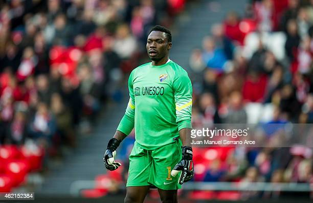 Carlos Kameni of Malaga CF reacts during the La Liga match between Athletic Club and Malaga CF at San Mames Stadium on January 25 2015 in Bilbao Spain