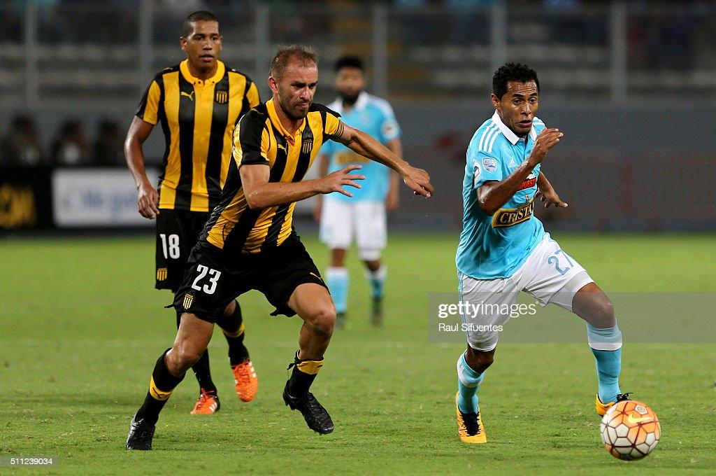 Sporting Cristal v Penarol - Copa Bridgestone Libertadores 2016