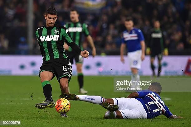 Carlos Mario Carbonero of UC Sampdoria tackles Lorenzo Pellegrini of US Sassuolo Calcio during the Serie A match between UC Sampdoria and US Sassuolo...