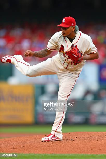 Carlos Martinez of the St Louis Cardinals delivers a pitch against the Atlanta Braves in the first inning at Busch Stadium on August 12 2017 in St...