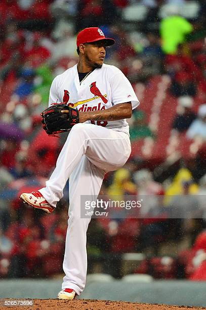 Carlos Martinez of the St Louis Cardinals pitches to a Chicago Cubs batter at Busch Stadium on April 20 2016 in St Louis Missouri The Cardinals won 53