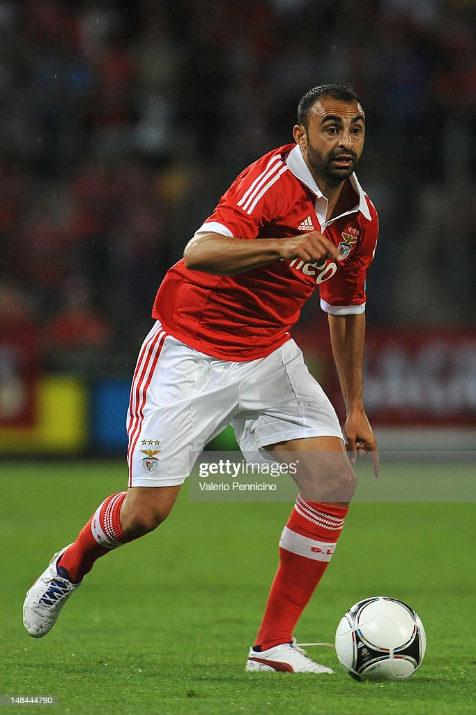 <a gi-track='captionPersonalityLinkClicked' href=/galleries/search?phrase=Carlos+Martins&family=editorial&specificpeople=685923 ng-click='$event.stopPropagation()'>Carlos Martins</a> of SL Benfica in action during a pre season friendly match between SL Benfica and Olympique Marseille at Estadio Tourbillon on July 13, 2012 in Sion, Switzerland.