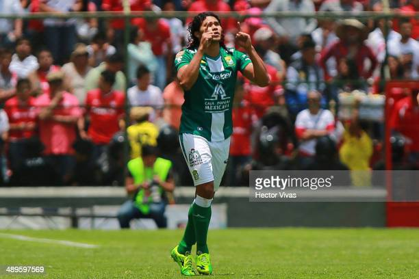 Carlos Pe–ña of Leon celebrates after scoring the opening goal against Toluca during the Semifinal second leg match between Toluca and Leon as part...