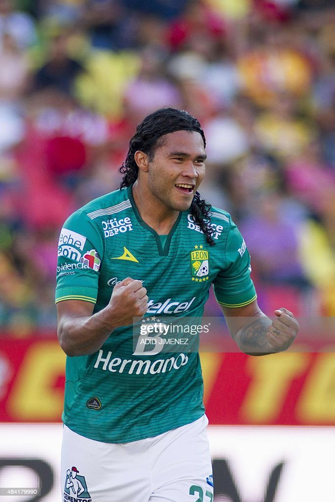 Carlos Pena of Leon celebrates after scoring against Morelia during their Mexican Apertura 2015 tournament football match at the Jose Maria Morelos...