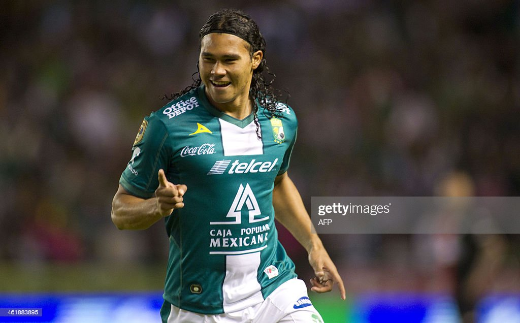 Carlos Pena of Leon celebrates his goal against Atlas during the Clausura 2014 tournament at the stadium Nou Camp on January 11 2014 in Leon Mexico...