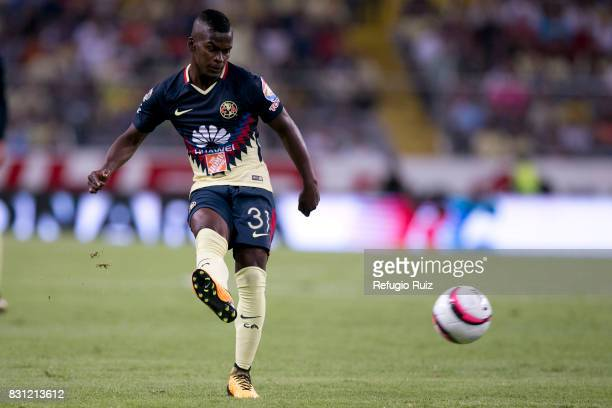 Carlos Quintero of America drives the ball during the 4th round match between Atlas and America as part of the Torneo Apertura 2017 Liga MX at...
