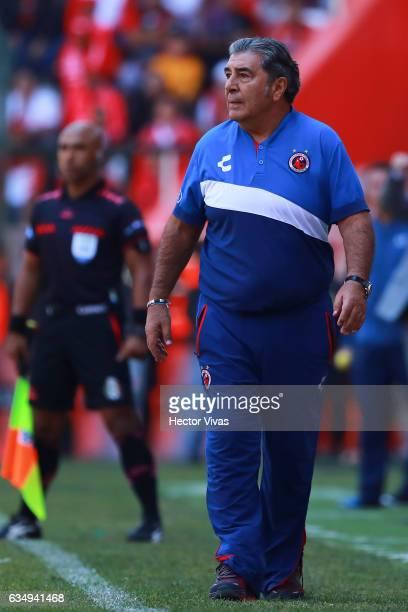 Carlos Reinoso coach of Veracruz looks on during the 6th round match between Toluca and Veracruz as part of the Torneo Clausura 2017 Liga MX at...