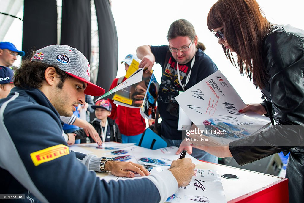 Carlos Sainz of Scuderia Toro Rosso and Spain during the Formula One Grand Prix of Russia at Sochi Autodrom on May 1, 2016 in Sochi, Russia.