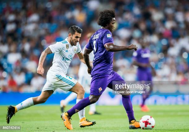 Carlos Sanchez of ACF Fiorentina battles for the ball with Daniel Ceballos Fernandez Dani Ceballos of Real Madrid during the Santiago Bernabeu Trophy...