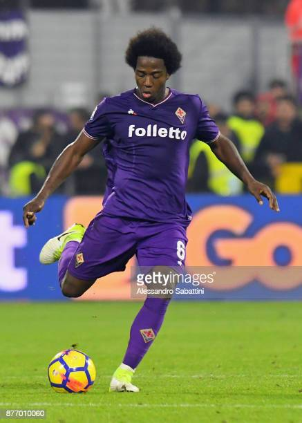 Carlos Sanchez of ACF Fiorentina in action during the Serie A match between Spal and ACF Fiorentina at Stadio Paolo Mazza on November 19 2017 in...