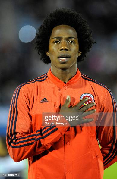 Carlos Sanchez of Colombia sings the anthem during the National Anthem Ceremony prior to a match between Uruguay and Colombia as part of FIFA 2018...
