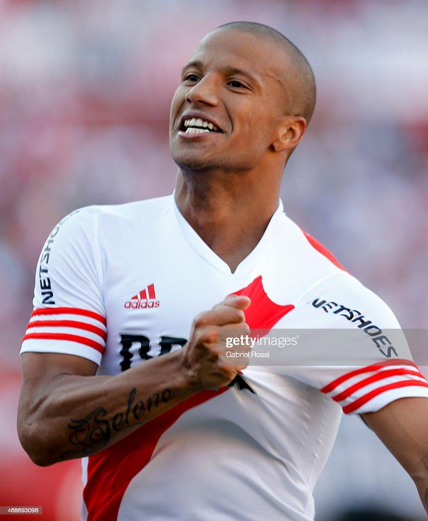 River Plate v San Lorenzo Torneo Primera Divison 2015 s and