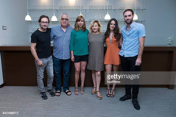 Carlos Santos Leo Harlem Carmen Ruiz Carmen Machi Macarena Garcia and Jon Plazahola attend the 'Villaviciosa De Al lado' photocall at Warner Bros...