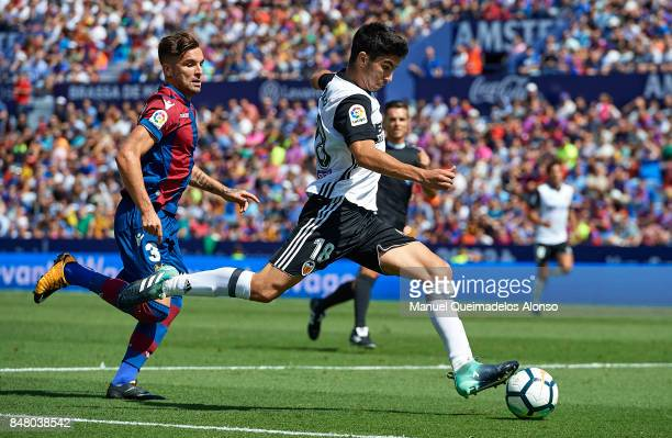 Carlos Soler of Valencia in action during the La Liga match between Levante and Valencia at Ciutat de Levante Stadium on September 16 2017 in...