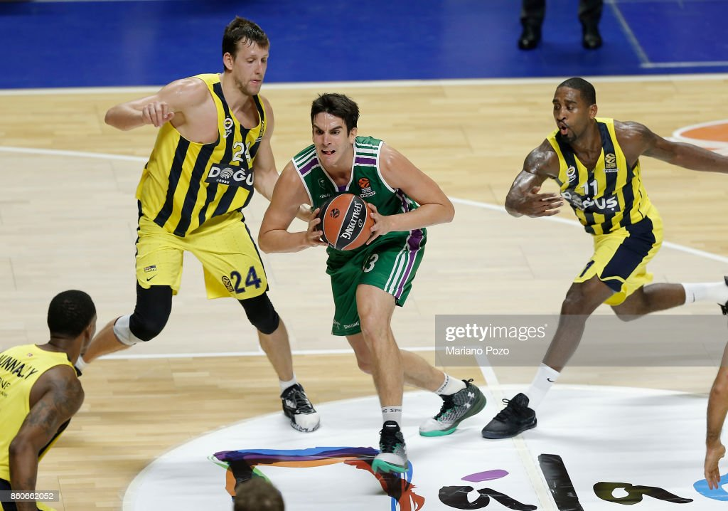 Carlos Suarez, #43 of Unicaja Malaga in action during the 2017/2018 Turkish Airlines EuroLeague Regular Season Round 1 game between Unicaja Malaga v Fenerbahce Dogus Istanbul at Martin Carpena Arena on October 12, 2017 in Malaga, Spain.