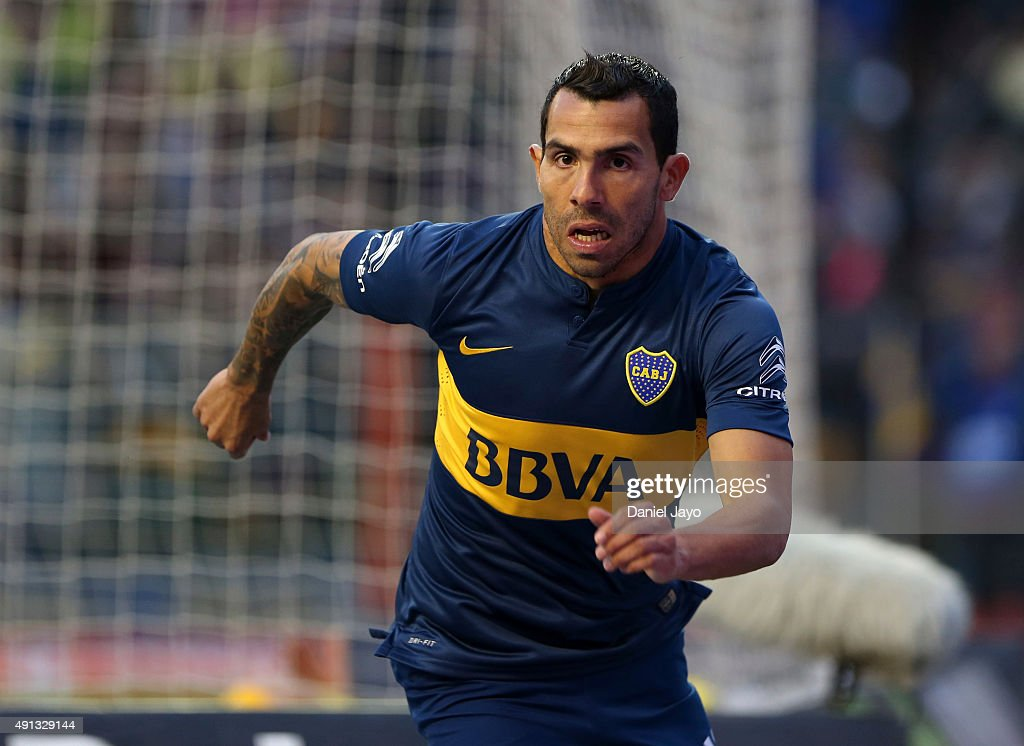 Boca Juniors v Crucero del Norte - Torneo Primera Division 2015