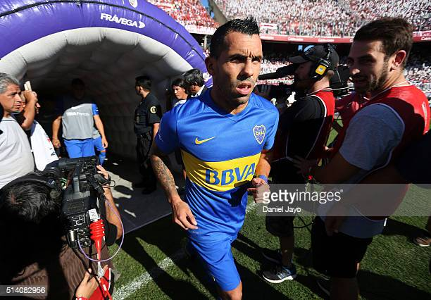 Carlos Tevez of Boca Juniors gets into the field before a match between River Plate and Boca Juniors as part of sixth round of Torneo Transicion 2016...