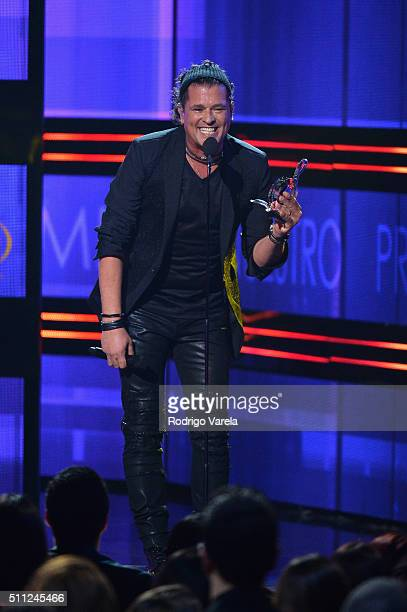 Carlos Vives accepts an award on stage Univision's 28th Edition of Premio Lo Nuestro A La Musica Latina on February 18 2016 in Miami Florida