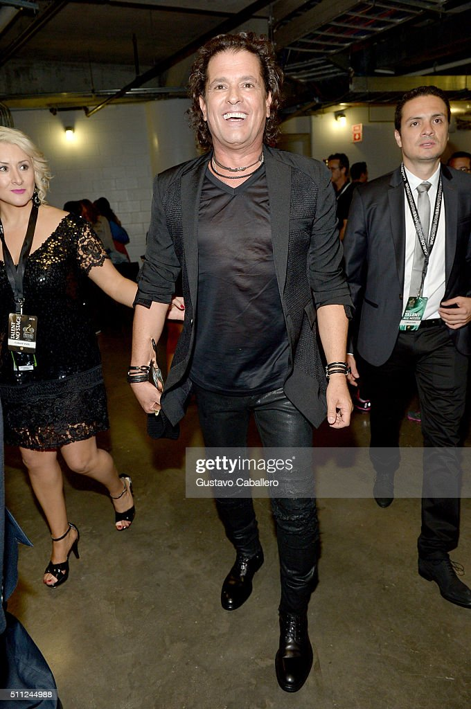 Carlos Vives attends Univision's 28th Edition of Premio Lo Nuestro A La Musica Latina on February 18, 2016 in Miami, Florida.