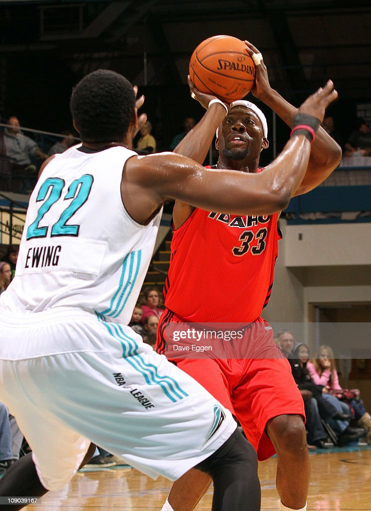 Carlos Wheeler #33 of the Idaho Stampede spots up for a jumper over <a gi-track='captionPersonalityLinkClicked' href=/galleries/search?phrase=Patrick+Ewing+Jr.&family=editorial&specificpeople=2551108 ng-click='$event.stopPropagation()'>Patrick Ewing Jr.</a> #22 of the Sioux Falls Skyforce in the first half of their game February 12, 2011 at the Sioux Falls Arena in Sioux Falls, South Dakota.