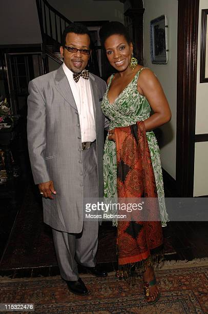 Carlton D Pearson Minister of Azusa Intl New Dimensions Worship and Sheryl Lee Ralph