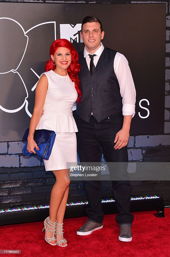 Carly Aquilino and Chris Distefano attend the 2013 MTV Video Music Awards at the Barclays Center on August 25, 2013 in the Brooklyn borough of New York City.