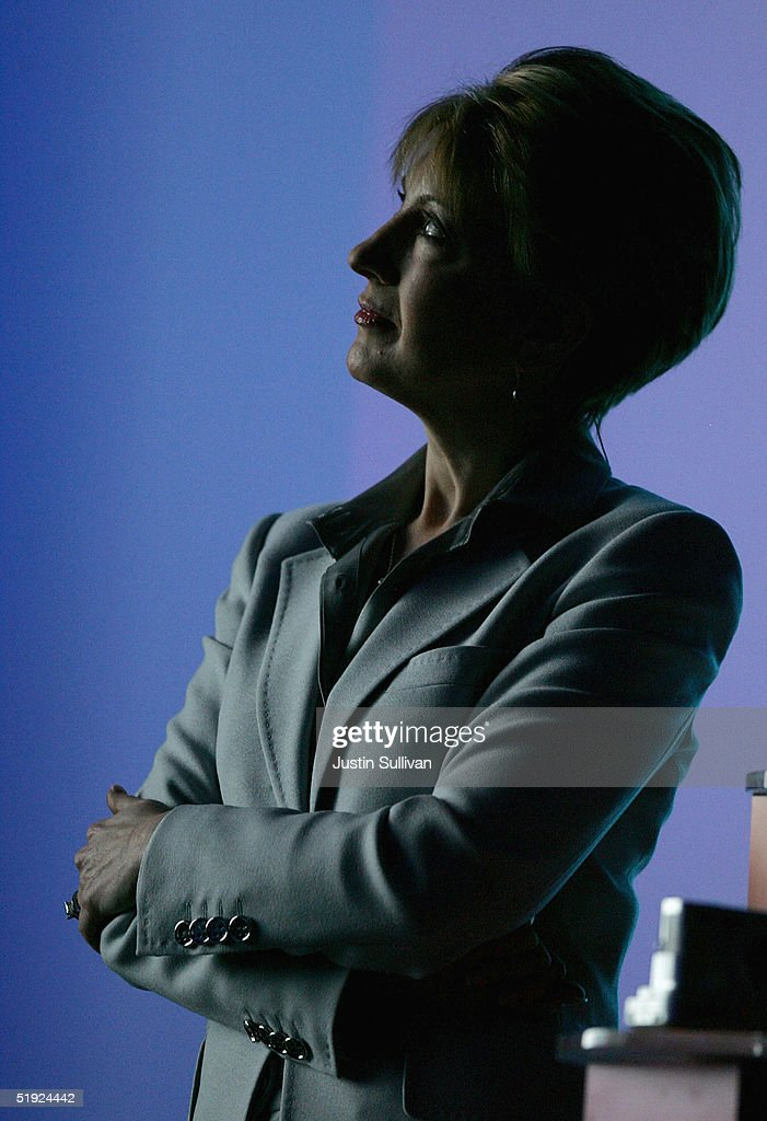 <a gi-track='captionPersonalityLinkClicked' href=/galleries/search?phrase=Carly+Fiorina&family=editorial&specificpeople=207075 ng-click='$event.stopPropagation()'>Carly Fiorina</a> delivers a keynote address at the 2005 Consumer Electronics Show January 7, 2005 in Las Vegas, Nevada. The 1.5 million square foot electornic gadget show runs through January 9 and is expected to attract over 120,000 attendees.