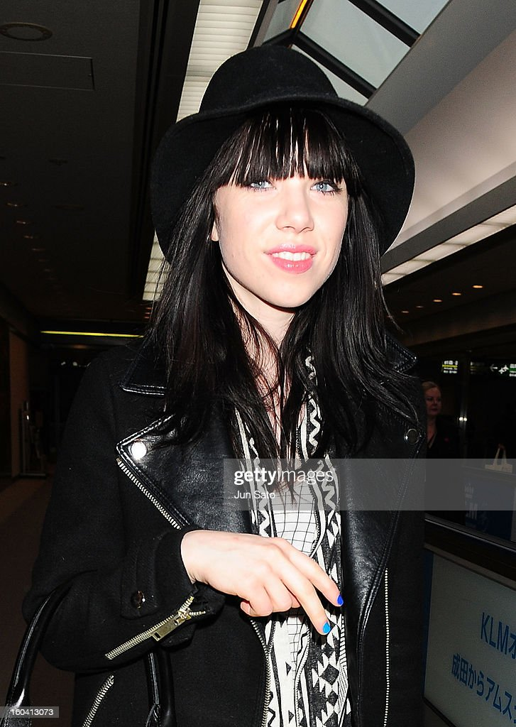 <a gi-track='captionPersonalityLinkClicked' href=/galleries/search?phrase=Carly+Rae+Jepsen&family=editorial&specificpeople=6903584 ng-click='$event.stopPropagation()'>Carly Rae Jepsen</a> is seen upon arrival at Narita International Airport on January 31, 2013 in Narita, Japan.