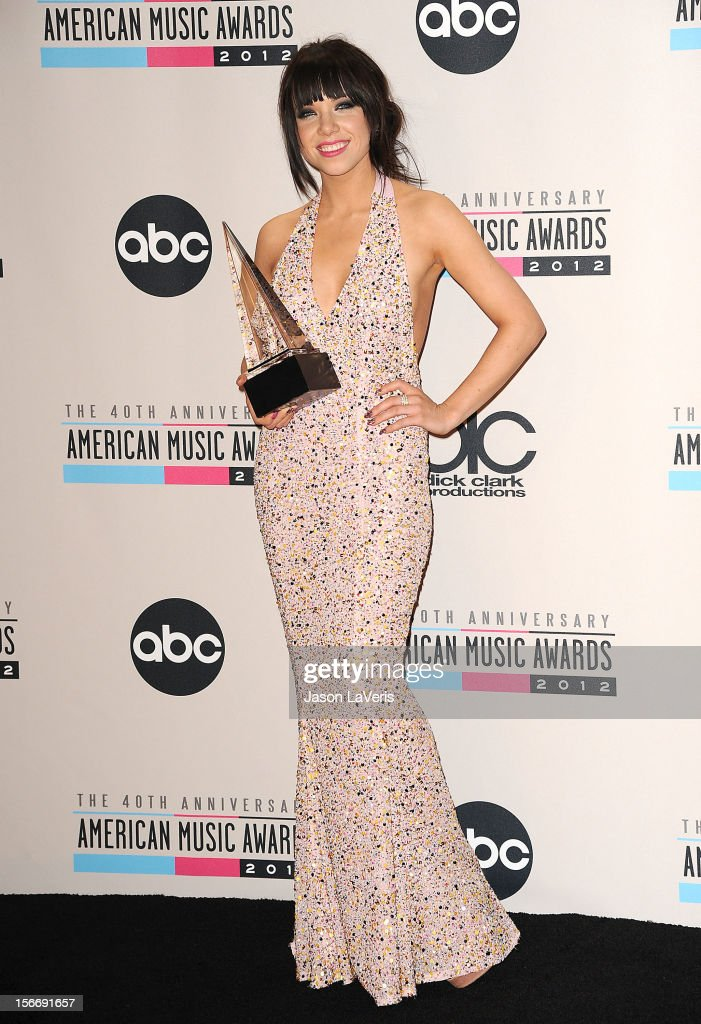 Carly Rae Jepsen poses in the press room at the 40th American Music Awards at Nokia Theatre L.A. Live on November 18, 2012 in Los Angeles, California.