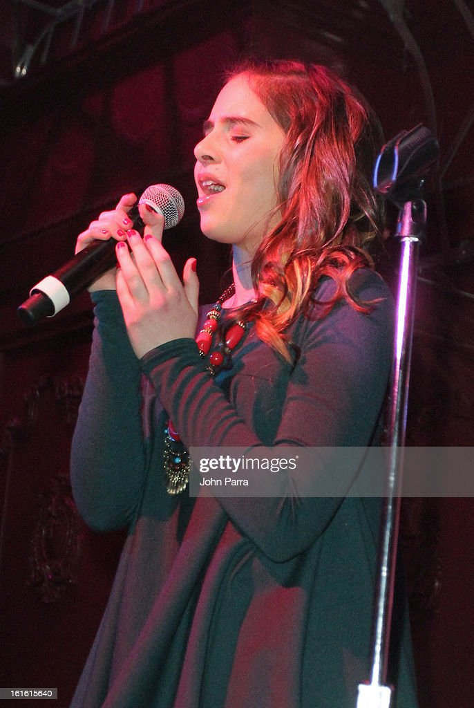 <a gi-track='captionPersonalityLinkClicked' href=/galleries/search?phrase=Carly+Rose+Sonenclar&family=editorial&specificpeople=5460554 ng-click='$event.stopPropagation()'>Carly Rose Sonenclar</a> performs at the ANA Board Dinner Presented By VEVO at The Darby on February 12, 2013 in New York City.