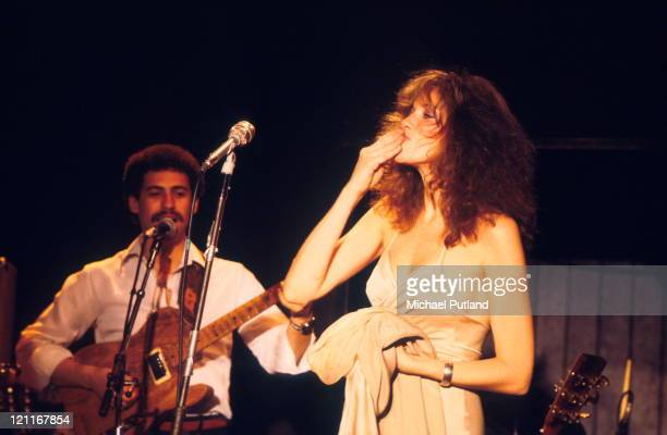 Carly Simon performs on stage New York 1978