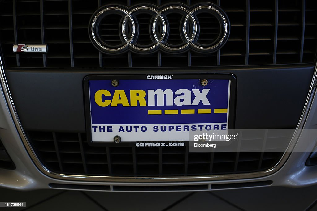 A CarMax Inc. placard sits on an Audi AG vehicle at a dealership in Lexington, Kentucky, U.S., on Monday, Sept. 23, 2013. Carmax, which generates 98% of its revenue in the used car market, today reported record second quarter results for the quarter ended Aug. 31. Photographer: Luke Sharrett/Bloomberg via Getty Images