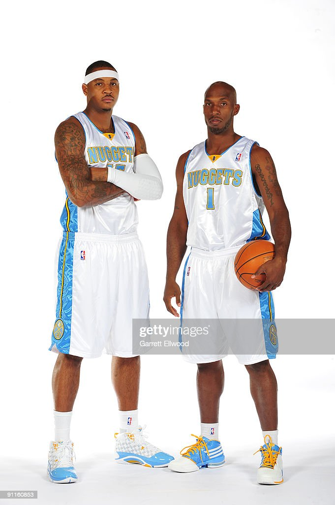 ¿Cuánto mide Carmelo Anthony? - Altura - Real height Carmelo-anthony-and-chauncey-billups-of-the-denver-nuggets-pose-for-a-picture-id91160853
