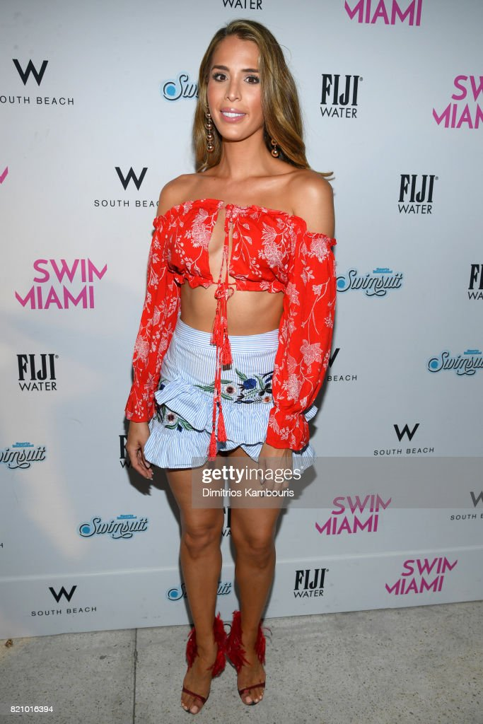 SWIMMIAMI Sports Illustrated Swimsuit 2018 Collection - Front Row