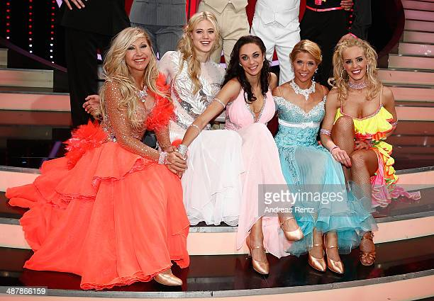 Carmen Geiss Larissa Marolt Lilly Becker Tanja Szewczenko and Isabel Edvardsson pose for a picture during the 5th show of 'Let's Dance' on RTL at...