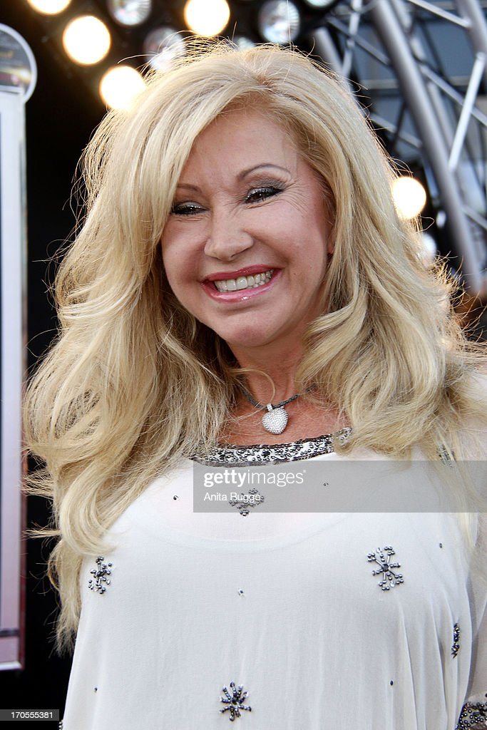 carmen geiss autograph session getty images. Black Bedroom Furniture Sets. Home Design Ideas
