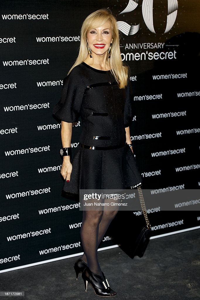 <a gi-track='captionPersonalityLinkClicked' href=/galleries/search?phrase=Carmen+Lomana&family=editorial&specificpeople=5840157 ng-click='$event.stopPropagation()'>Carmen Lomana</a> attends Women'secret New Collection presentation 20th anniversary at Botanic Garden on November 6, 2013 in Madrid, Spain.