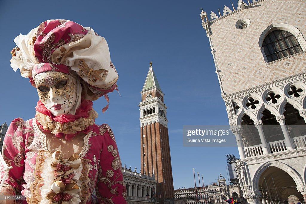 Carnival mask in Venice posing in San Marco square : Stock Photo