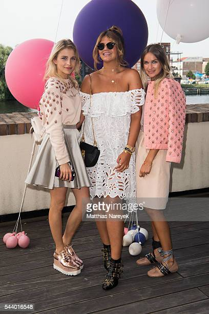 Caro Daur Farina Opoku and Nina Suess during the 'LECK MICH AM HASHTAG' Brunch on June 30 2016 in Berlin Germany