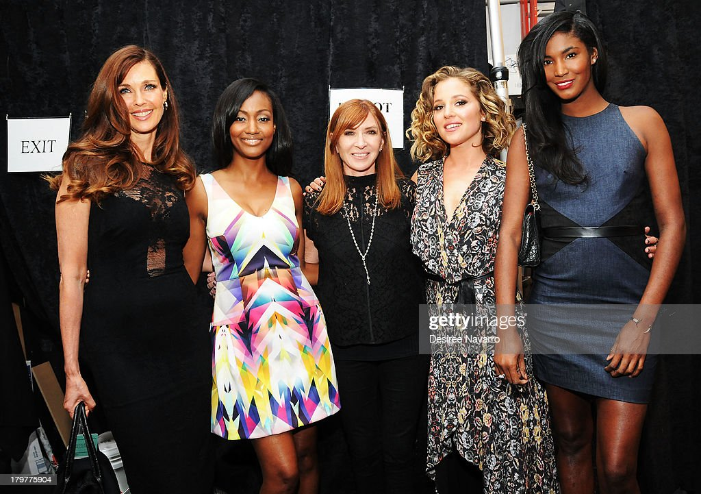 <a gi-track='captionPersonalityLinkClicked' href=/galleries/search?phrase=Carol+Alt&family=editorial&specificpeople=202034 ng-click='$event.stopPropagation()'>Carol Alt</a>, Nichole Galicia, Nicole Miller, <a gi-track='captionPersonalityLinkClicked' href=/galleries/search?phrase=Margarita+Levieva&family=editorial&specificpeople=630349 ng-click='$event.stopPropagation()'>Margarita Levieva</a> and <a gi-track='captionPersonalityLinkClicked' href=/galleries/search?phrase=Sessilee+Lopez&family=editorial&specificpeople=4344091 ng-click='$event.stopPropagation()'>Sessilee Lopez</a> attend the Nicole Miller show during Spring 2014 Mercedes-Benz Fashion Week at The Studio at Lincoln Center on September 6, 2013 in New York City.