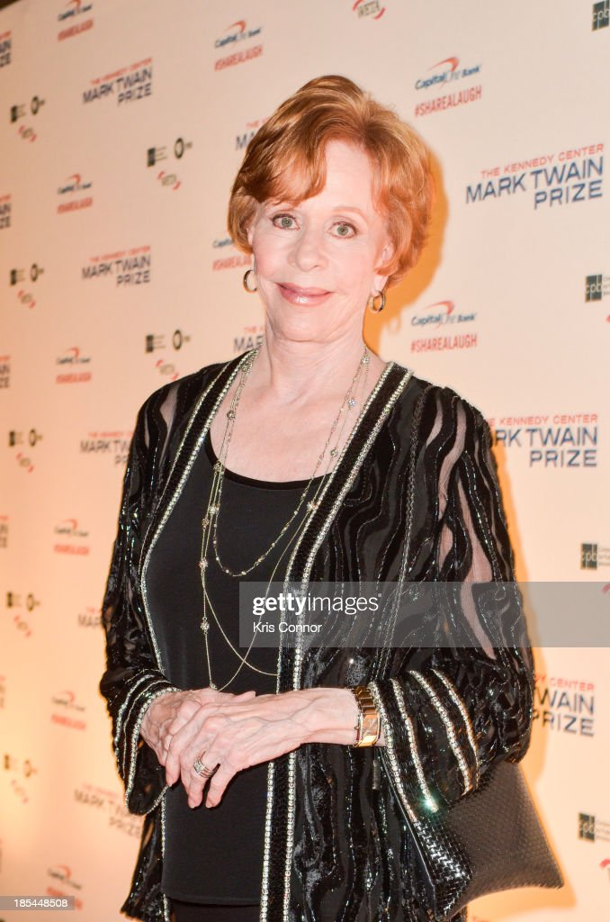 <a gi-track='captionPersonalityLinkClicked' href=/galleries/search?phrase=Carol+Burnett&family=editorial&specificpeople=206201 ng-click='$event.stopPropagation()'>Carol Burnett</a> poses on the red carpet during The 16th Annual Mark Twain Prize For American Humor at John F. Kennedy Center for the Performing Arts on October 20, 2013 in Washington, DC.