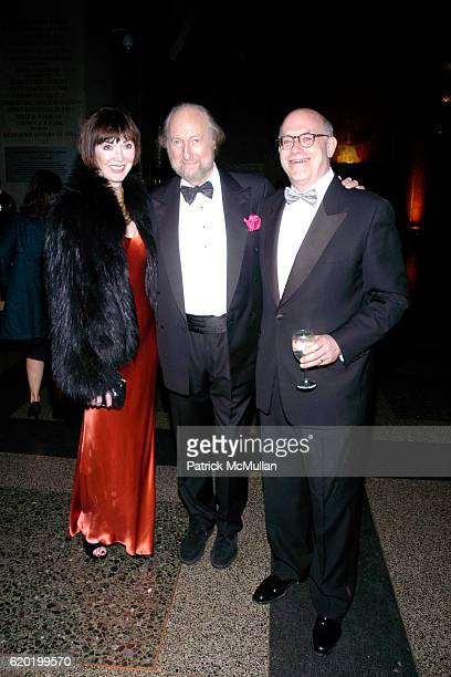 Carol Rine Ed Victor and Larry Kirschbaum attend The PEN American Center's 2008 Literary Gala at American Museum of Natural History on April 28 2008...