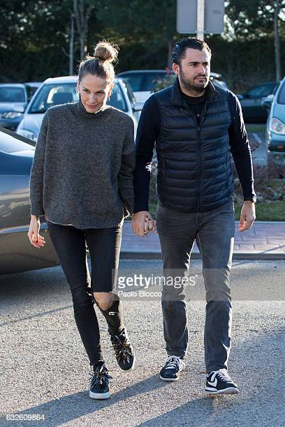 Carola Baleztana and Emiliano Suarez attend the funeral chapel for Bimba Bose on January 24 2017 in Madrid Spain Bimba Bose died in Madrid at the age...