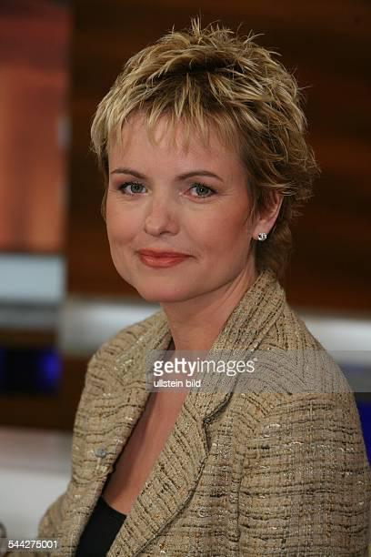Carola Ferstl Moderatorin D Portraet