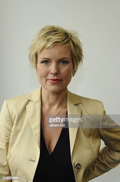 Carola Ferstl Moderatorin