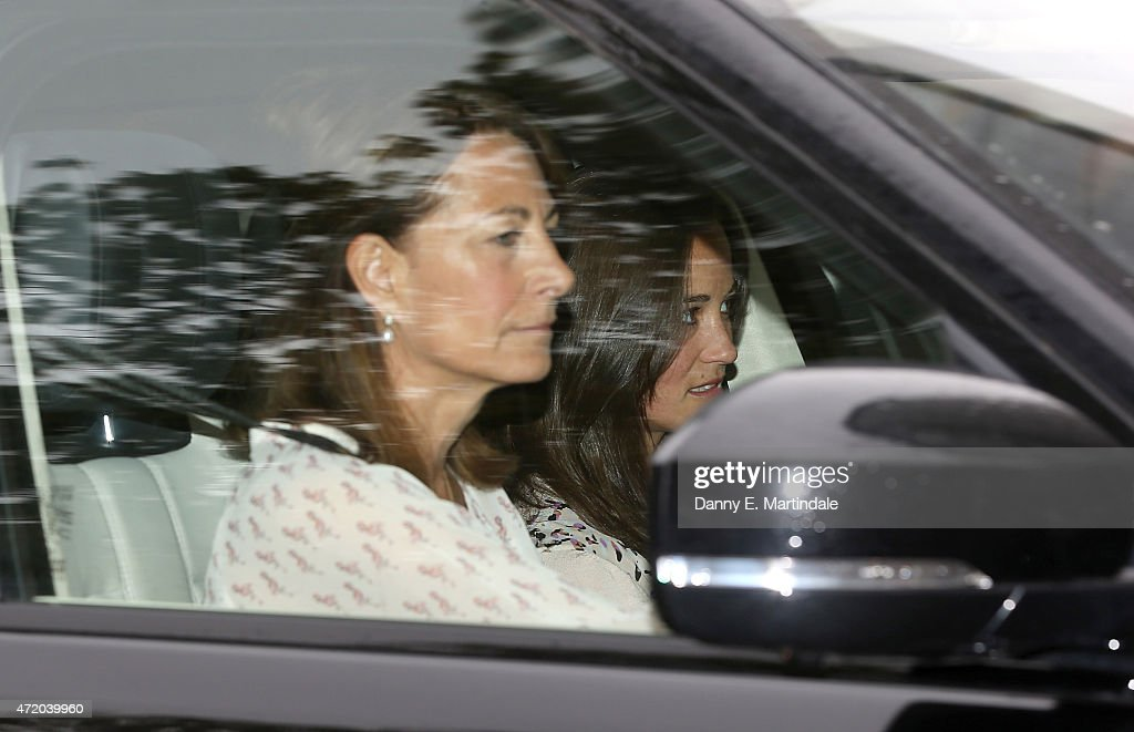 <a gi-track='captionPersonalityLinkClicked' href=/galleries/search?phrase=Carole+Middleton&family=editorial&specificpeople=4079988 ng-click='$event.stopPropagation()'>Carole Middleton</a> and <a gi-track='captionPersonalityLinkClicked' href=/galleries/search?phrase=Pippa+Middleton&family=editorial&specificpeople=4289296 ng-click='$event.stopPropagation()'>Pippa Middleton</a> arrive at Kensington Palace the day after the birth of The Duke And Duchess Of Cambridge's daughter at Kensington Palace on May 3, 2015 in London, England.