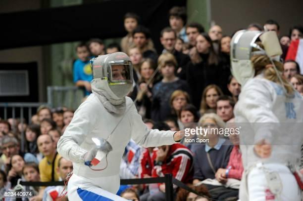 Carole VERGNE Huitieme de Finale Sabre / Julia GAVRILOVA Huitieme de Finale Sabre Sabre 06 112010 Championnats du Monde d Escrime 2010 Grand Palais...